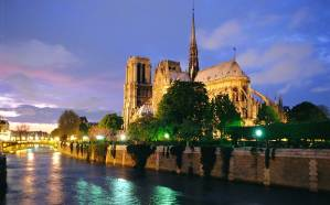 OVERVIEW+-+Notre+Dame+cathedral+and+the+River+Seine
