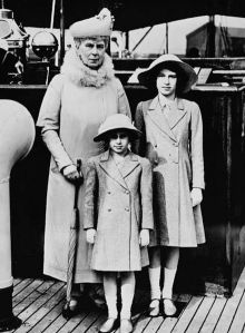 440px-Queen_Mary_with_Princess_Elizabeth_and_Margaret