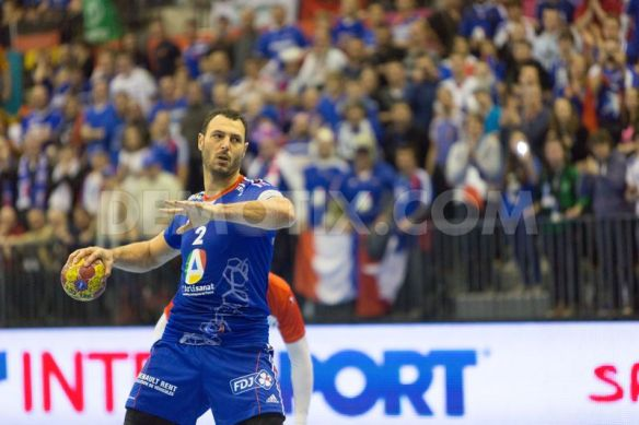 1358081177-france-suffers-but-wins-the-first-match-in-handball-world-championship_1722958